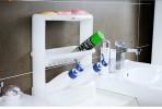 Giá để đồ dùng nhà tắm 3 tầng màu trắng Inomata