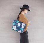 Túi đeo thời trang hoa xanh trắng