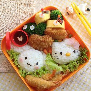 Khuôn cơm Hello Kitty