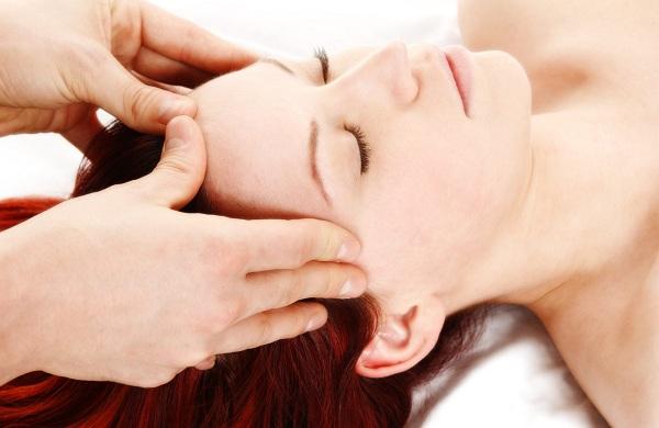 Mách nhỏ cách massage đầu cho bà bầu hiệu quả